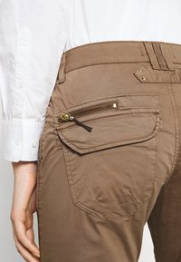 Mos Mosh - VALERINE CARGO PANT - Trousers - brown - 4