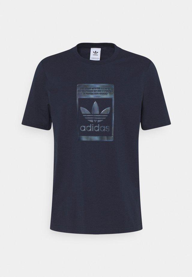 TEE - T-shirt z nadrukiem - night navy