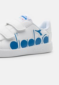Diadora - GAME BOLDER UNISEX - Sports shoes - white/micro blue - 5