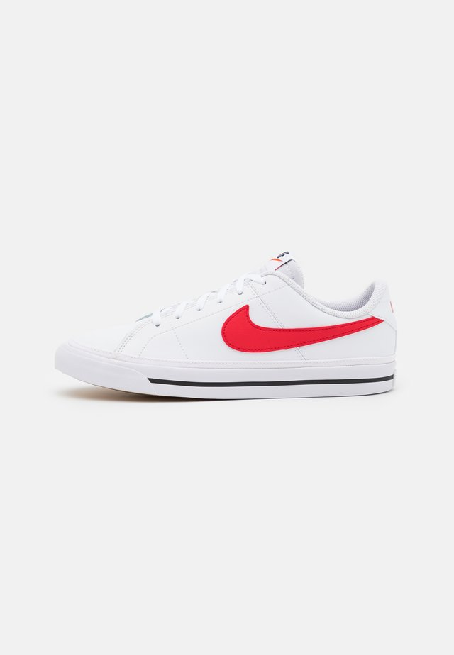 COURT LEGACY UNISEX - Trainers - white/university red/black