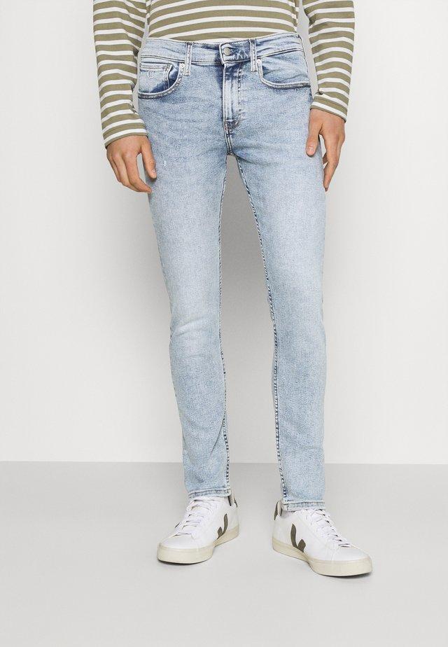 SKINNY - Jeans Skinny Fit - denim light