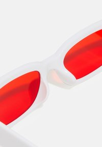 Vintage Supply - UNISEX - Sunglasses - white/red - 2