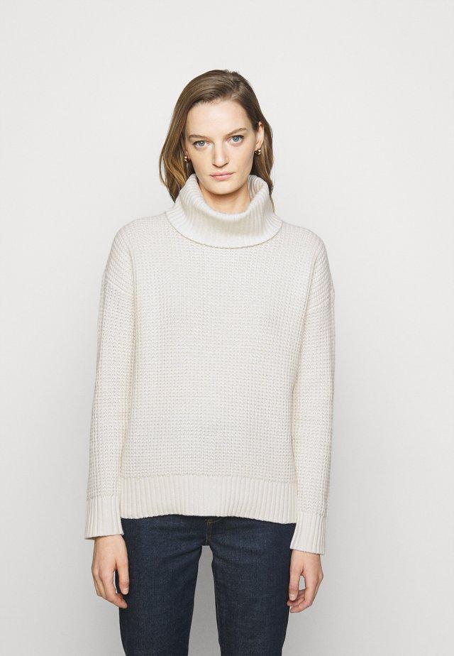Sweter - mascarpone cream