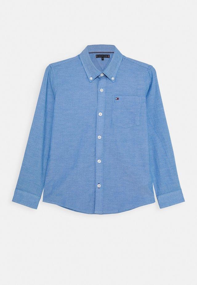 ESSENTIAL SOLID OXFORD - Skjorta - blue