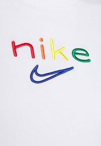 Nike Performance - DRY TEE BOXY RAINBOW - Print T-shirt - white - 4