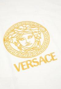 Versace - COPERTA DA ESTERNO UNISEX - Dětská deka - bianco/oro - 3