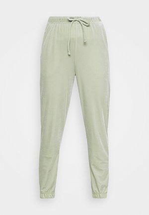PCGIGI PANTS - Teplákové kalhoty - desert sage