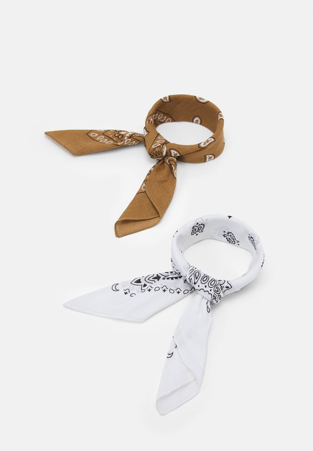 JACYOUNG BANDANA 2 PACK - Šátek - white/camel