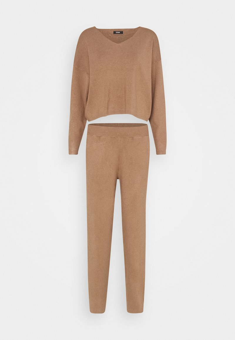 Zign - SET KNIT V-NECK AND PANT  - Svetr - camel