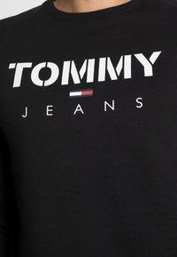 Tommy Jeans - NOVEL LOGO CREW - Sweatshirt - black - 4