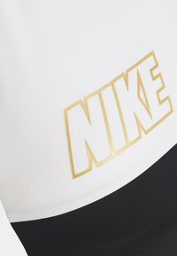 Nike Performance - LOGO BRA PAD - Sujetador deportivo - white/black/metallic gold - 2