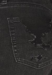 American Eagle - BIKER MID - Shorts di jeans - fade to black - 2