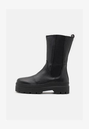 AYA ZIPPER - Platåstøvler - black