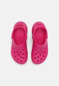 Crocs - CLASSIC BAE - Tresko - candy pink - 4