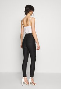 Missguided - VICE COATED - Jeans Skinny Fit - black - 2