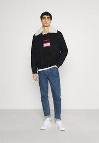 Pier One - Sweatshirt - black - 1