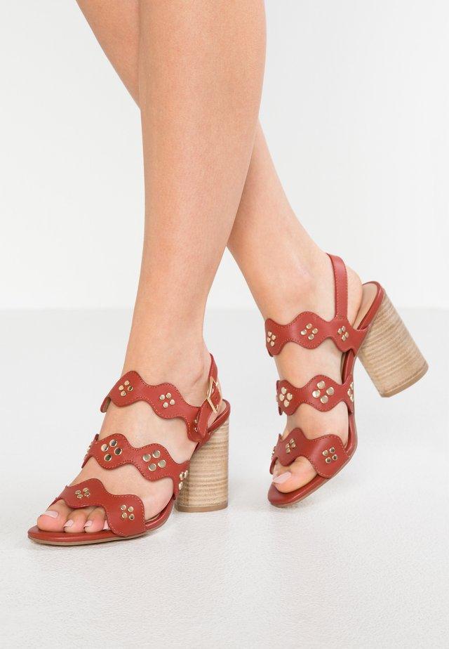 Sandalen met hoge hak - mattone