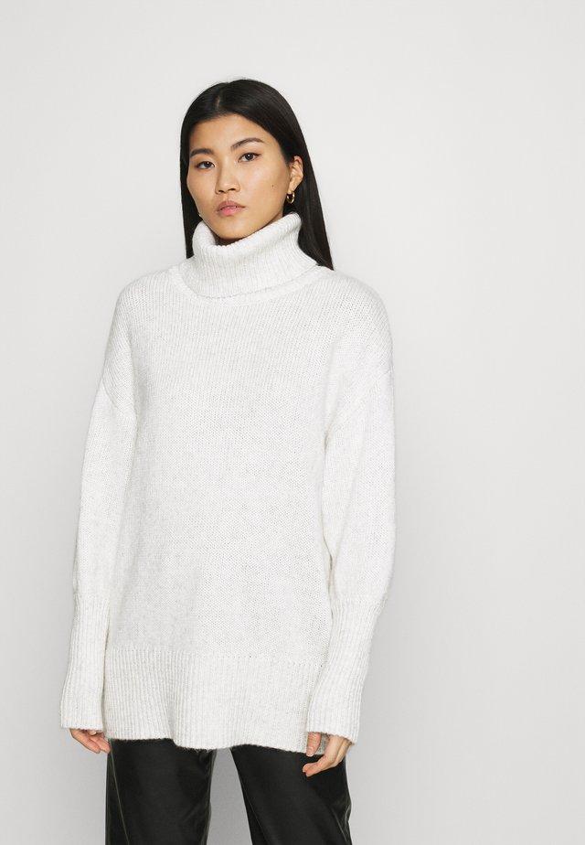 HANNALIGZ ROLLNECK - Sweter - white melange
