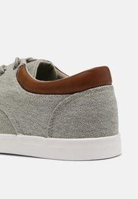 Pier One - Sneakers - light grey - 4
