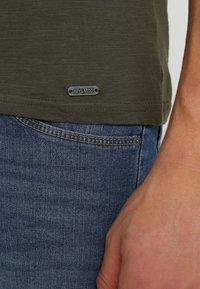 Key Largo - MILK - Basic T-shirt - olive - 5