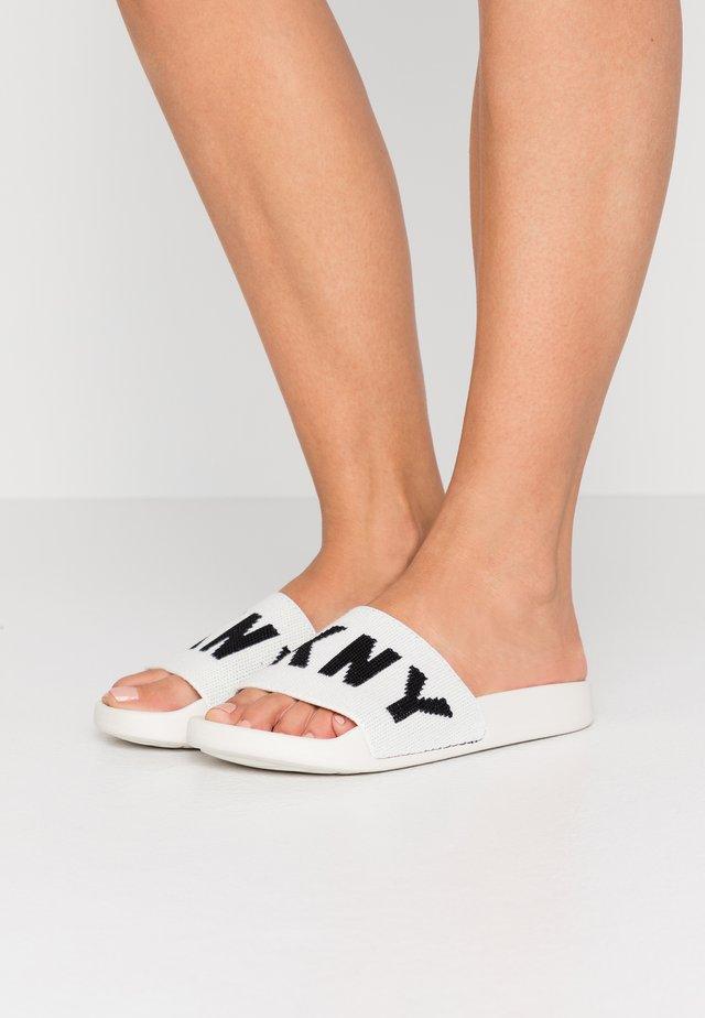 ZAX SLIDE  - Mules - white/black