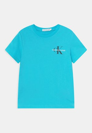 CHEST MONOGRAM UNISEX - Printtipaita - bright sky