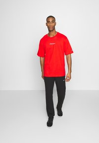 Champion Rochester - ROCHESTER CREWNECK - T-shirt basic - red - 1