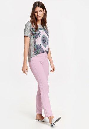 Slim fit jeans - flieder