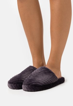 CHEVRON MULE - Slippers - charcoal