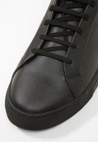 Kurt Geiger London - DONNIE - Sneakers basse - black - 5