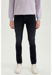 DeFacto - Slim fit jeans - indigo - 0