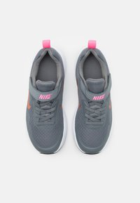 Nike Sportswear - WEARALLDAY UNISEX - Tenisky - smoke grey/metallic copper/pink glow - 3