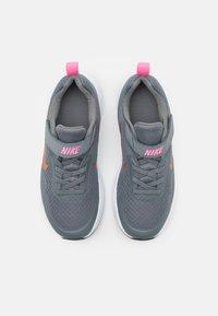 Nike Sportswear - WEARALLDAY UNISEX - Zapatillas - smoke grey/metallic copper/pink glow - 3