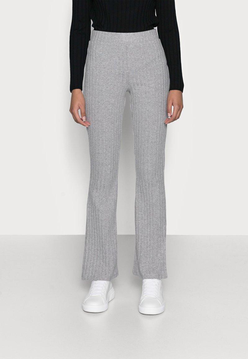 Gina Tricot Petite - TARA TROUSERS - Pantaloni - grey melange