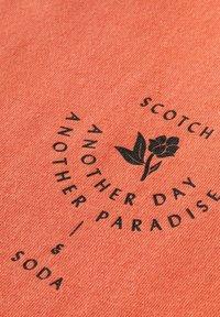 Scotch & Soda - Print T-shirt - salmon - 2