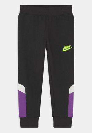 BLOCKED PANT - Pantalones deportivos - black