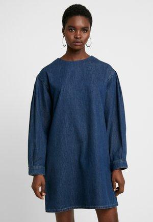 ASHI DRESS  - Sukienka jeansowa - dark indigo