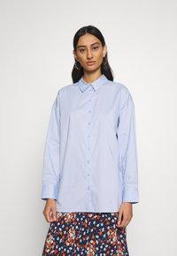 Gestuz - IBBY OVERSIZES - Button-down blouse - xenon blue - 0