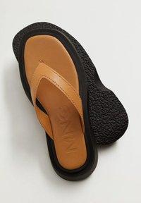 Mango - Pool shoes - middenbruin - 5