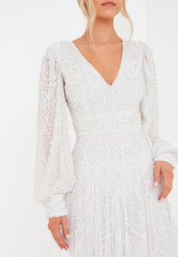 BEAUUT - STEPH EMBELLISHED SEQUINS  - Occasion wear - ivory - 3