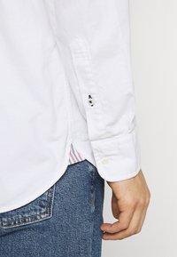 Tommy Hilfiger - SLIM FLEX DOBBY - Shirt - white - 3