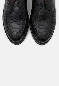 San Marina - MALICE - Šněrovací boty - noir - 5