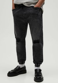 PULL&BEAR - Jeans Tapered Fit - black - 0