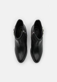 Barbour - INGLEWOOD - Kotníková obuv - black - 4