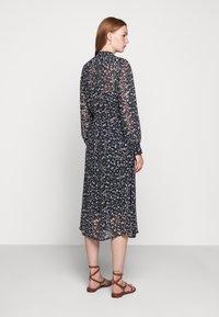 Bruuns Bazaar - HAZE MIRRAH DRESS - Košilové šaty - night sky - 2