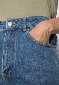 JUST FEMALE - CALM - Široké džíny - light blue - 4