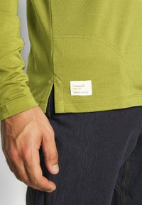 Norrøna - SVALBARD GRANDPA SHIRT - Long sleeved top - olive drab - 4
