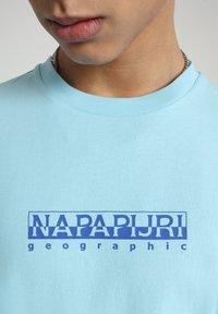 Napapijri - BEATNIK - T-shirt med print - green plume - 3