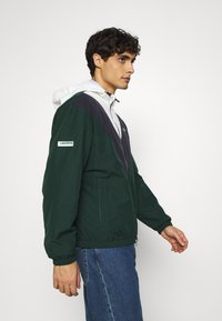 Lacoste - Summer jacket - sinople/abysm/flour - 4