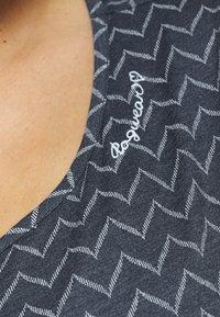 Ragwear Plus - ZIG ZAG - Print T-shirt - denim blue - 4